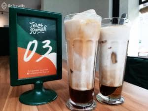 Nongkrong Fancy ala Bali di Teras Rumah Cafe Surabaya