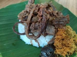 Nasi Krawu Bu Tiban II, Sajikan Makanan Khas Gresik Buka 24 Jam