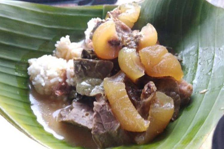 Nikmatnya Nasi Kikil Bu Tandur yang bikin Nagih - GoTravelly