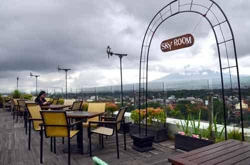 Skyroom The 101 Malang Oj Nikmati Sensasi Makan Diketinggian Gotravelly