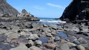 Pantai Payangan Jember, Cantiknya Bagai Ada di Khayangan..