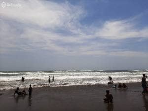 Ngadem Siang Hari di Pantai Parangtritis, Salah Satu Pantai Iconic di Jogja