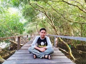 Susuri Keasrian Banyu Urip Mangrove Center