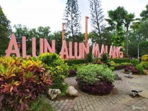 Jalan-jalan di Alun-Alun Kota Malang: Wajib Dikunjungi nih Kalo ke Malang