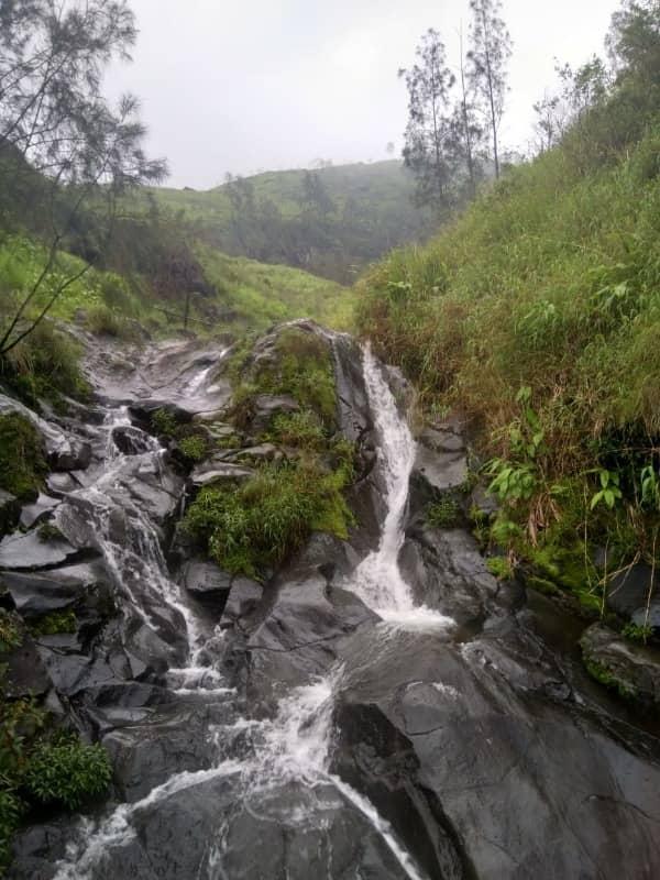Indahnya Air Terjun Gumandar Di Lereng Gunung Arjuna Gotravelly