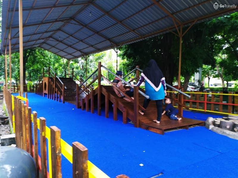 Jalan Jalan Sore Di Taman Abhirama Taman Sejuk Di Tengah Kota Sidoarjo Gotravelly