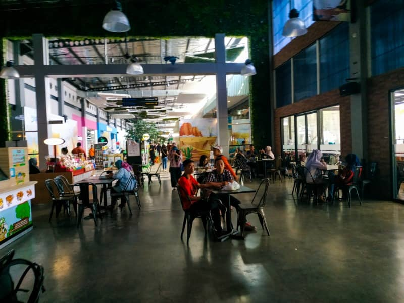 area makan indoor di food junction