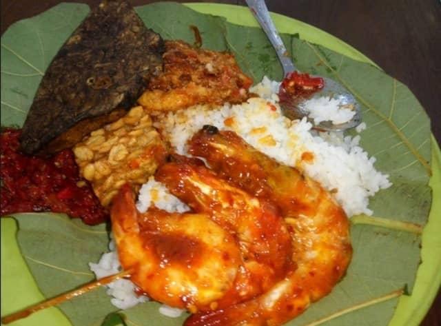 20 Makanan Khas Cirebon Terlezat Yang Harus Anda Coba Awas