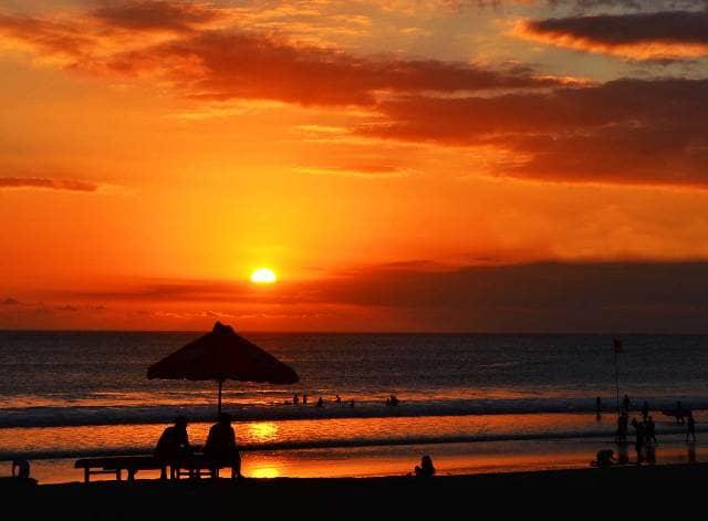68 gambar pemandangan pantai di malam hari Gratis Terbaru