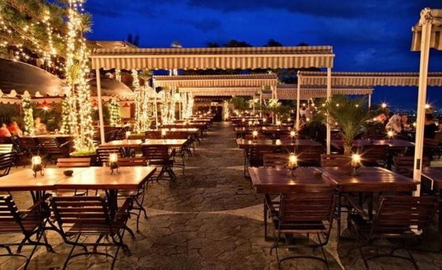 The Valley Bistro Café