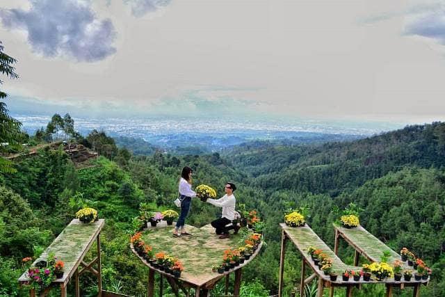 Harga Tiket Masuk Bukit Bulu Coban Rais Rute Lokasi Info