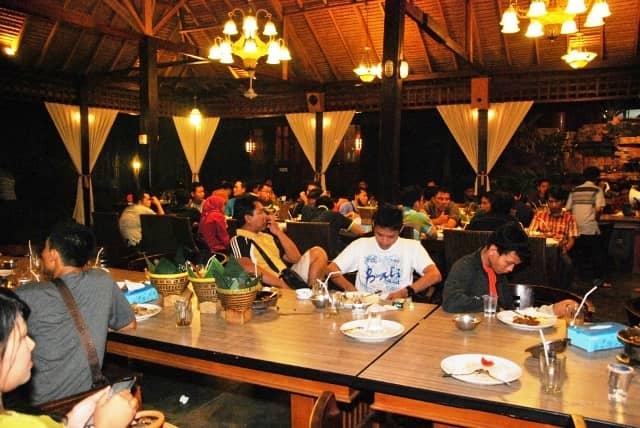 10 Tempat Makan Enak Di Palembang Paling Rekomended Tempat Makan