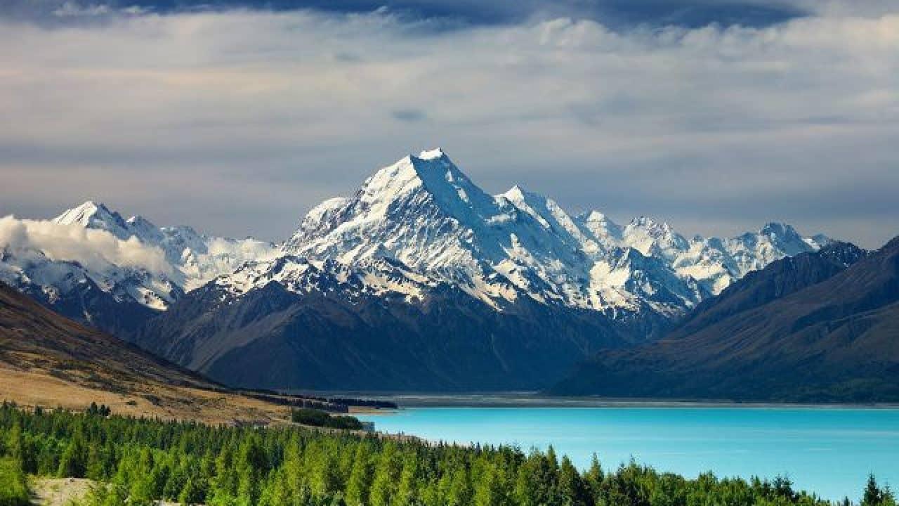 Download 93 Koleksi Wallpaper Pemandangan Gunung Terindah Di Dunia Gratis Terbaru