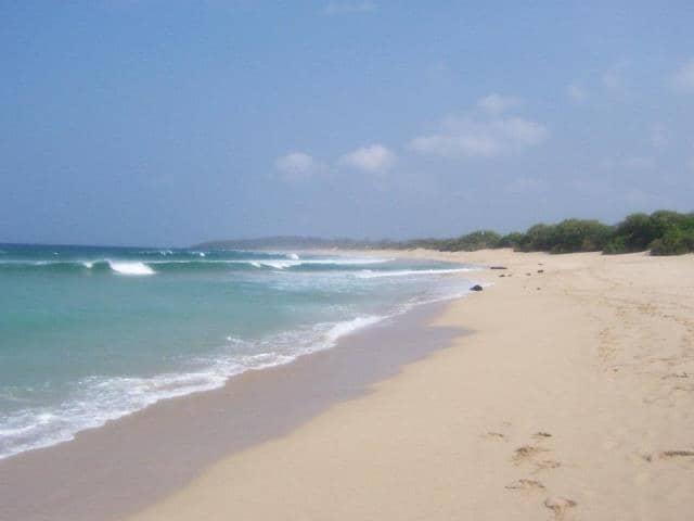 gambar 5 - wisata Pantai Pangumbahan