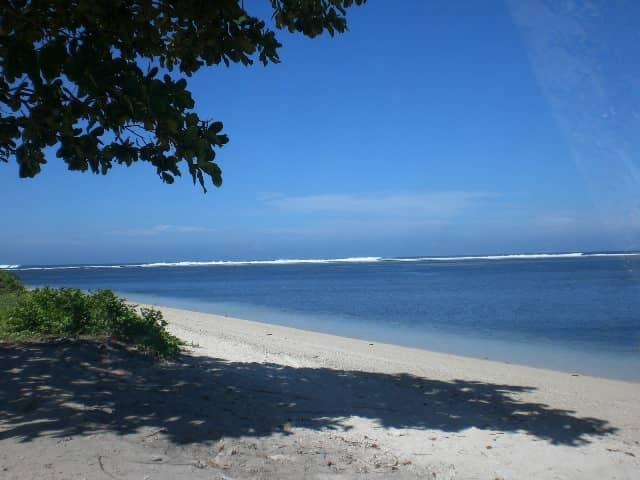 gambar 10 - Pantai Ujung Genteng