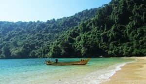 Pantai Paling Angker Di Jawa