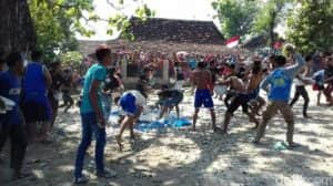 tradisi adat di indonesia