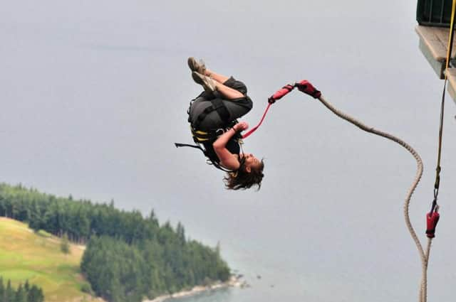 bungee Jumping paling menantang di Indonesia