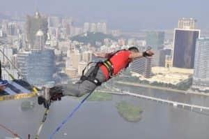bungee jumping paling menantang di dunia