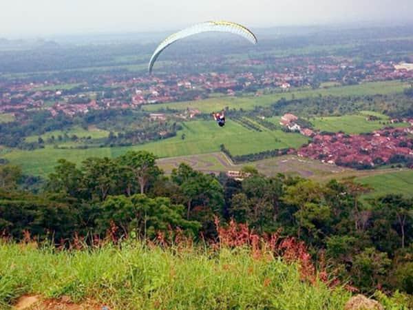 paralayang terbaik di indonesia