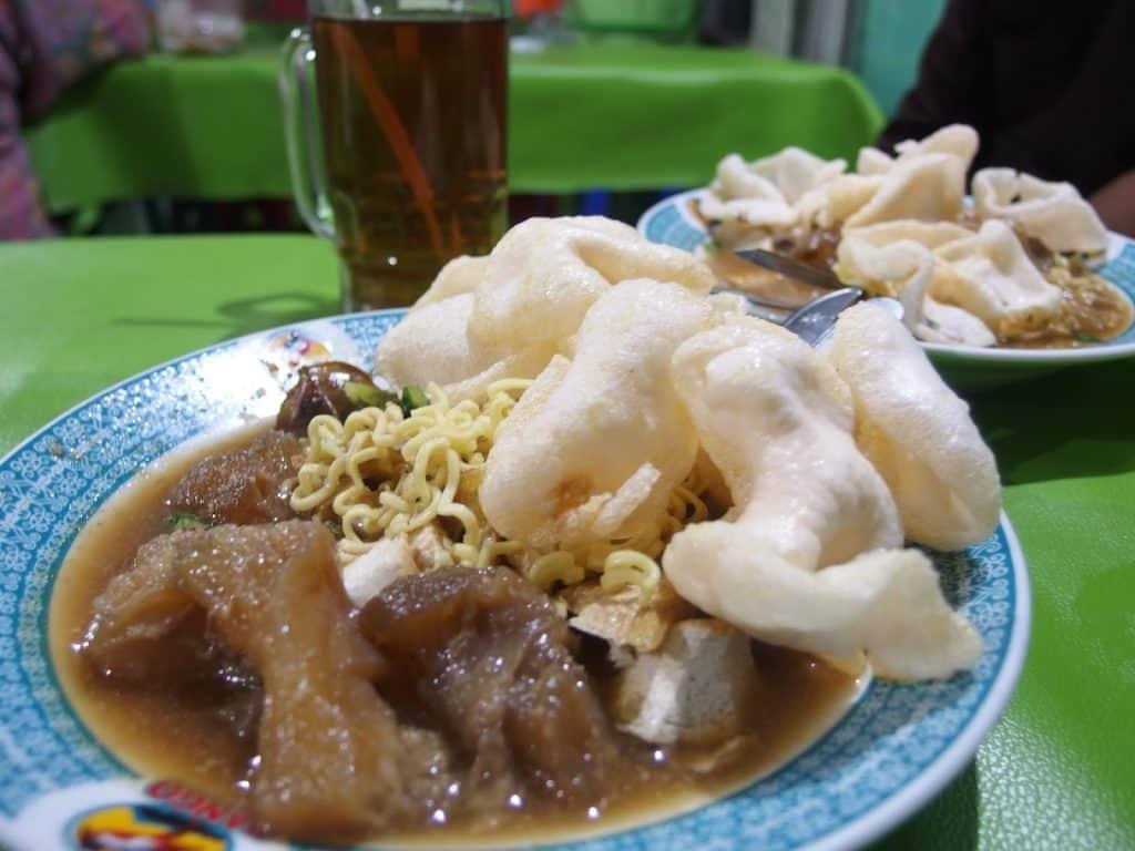 tahu campur paling enak di Surabaya