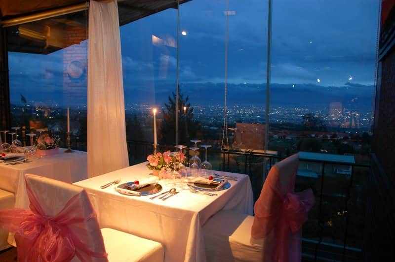 restoran romantis di bandung