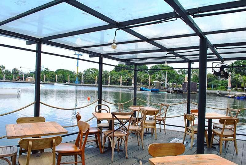 Romantis di Jakarta