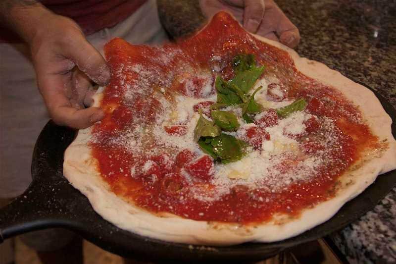 pizza enak di Italia