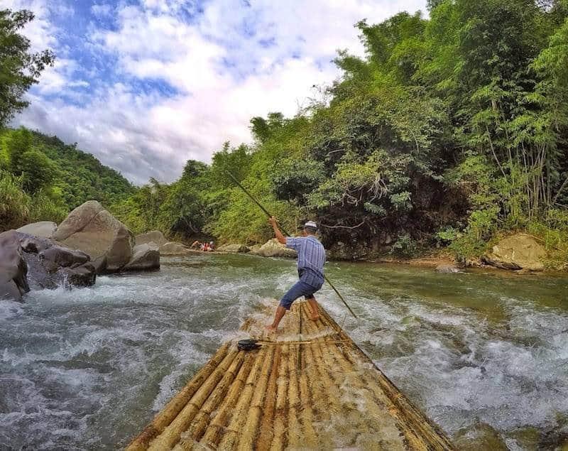 bamboo rafting paling keren di indonesia