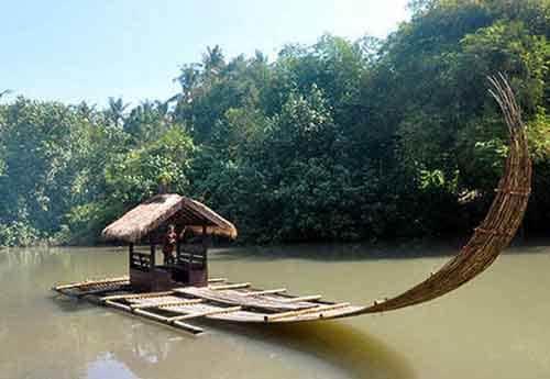 bamboo rafting di lombok