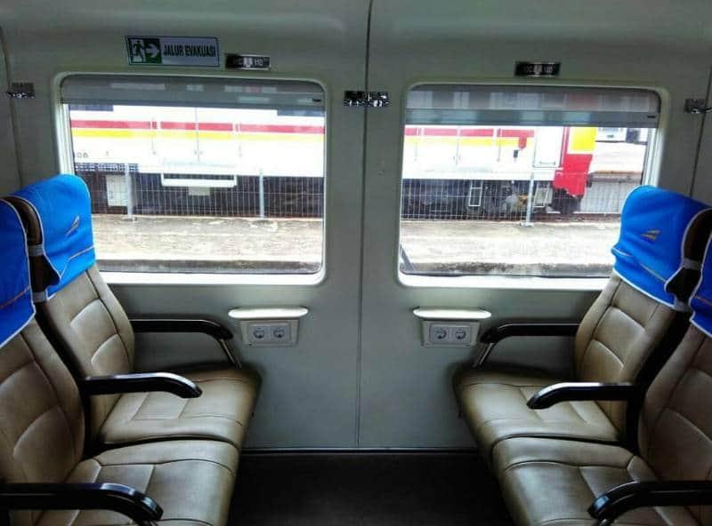 tips nyaman travelling dengan kereta api