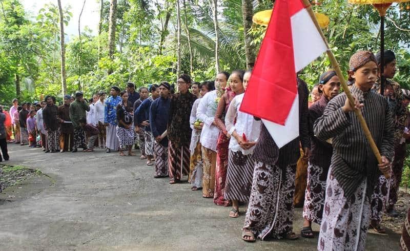 Tradisi Unik Merayakan Waisak di Indonesia