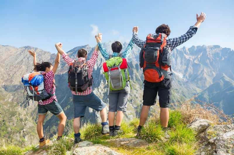 Manfaat Travelling Bersama Sahabat