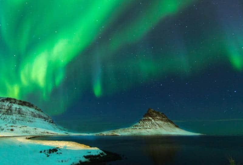 aurora bareilis islandia