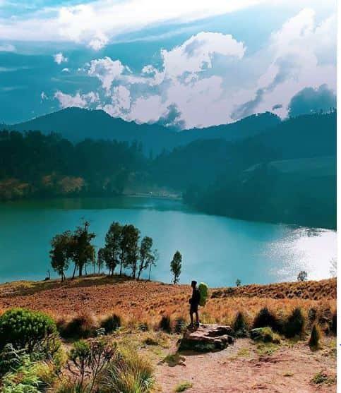 danau terindah di Indonesia