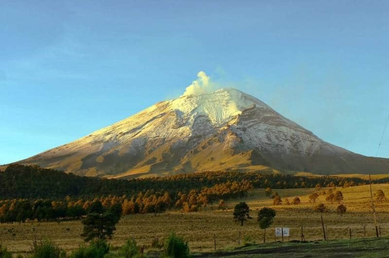 gunung paling keren di dunia