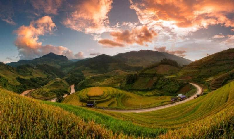 wisatab musim gugur di Asia