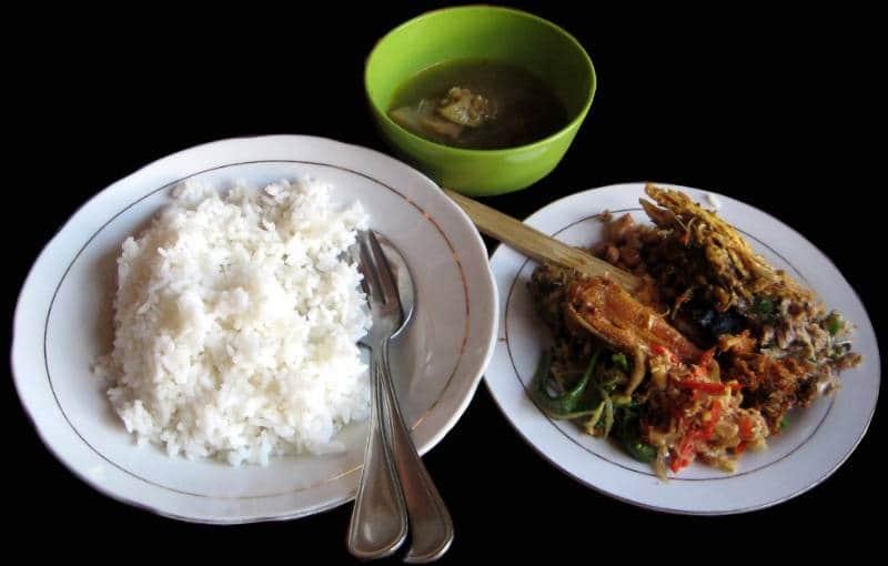 nasi lawar enak di Bali