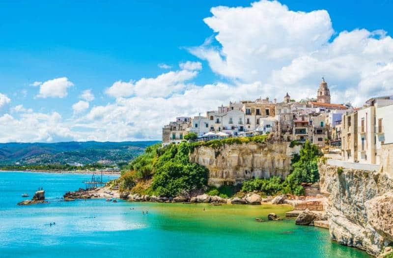 Kota Puglia Atau Apulia 1024x673 - Italia Terkenal Dengan Romantis dan Instagramable