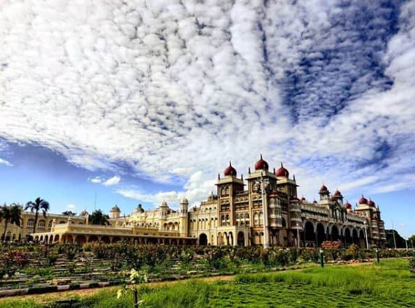 istana besar di dunia
