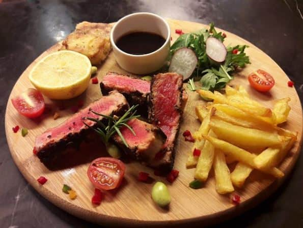 rekomendasi steak enak di Surabaya