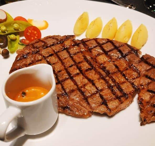 steak di surabaya