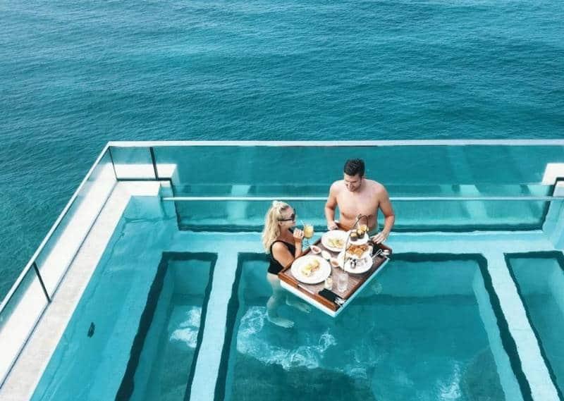hotel tawarkan floating breakfast