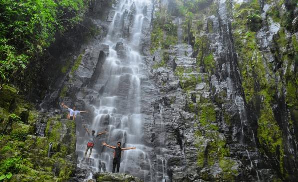 air terjun paling indah di Lampung
