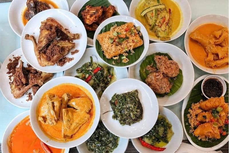 Penggemar Nasi Padang Berikut 10 Rekomendasi Nasi Padang Enak Di Jakarta