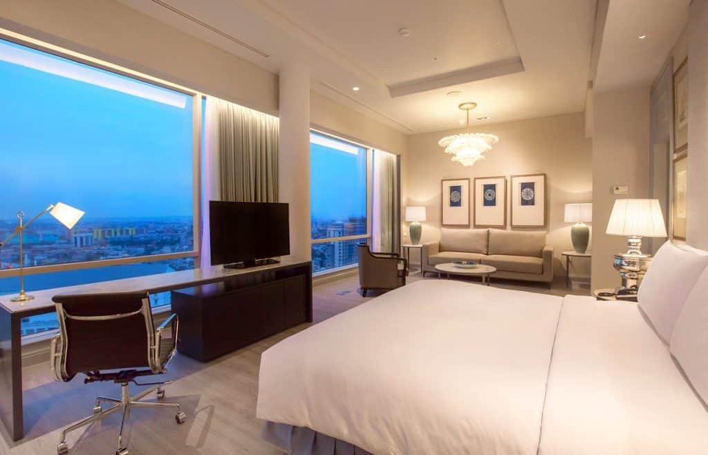 hotel bisnis terbaik di Surabaya
