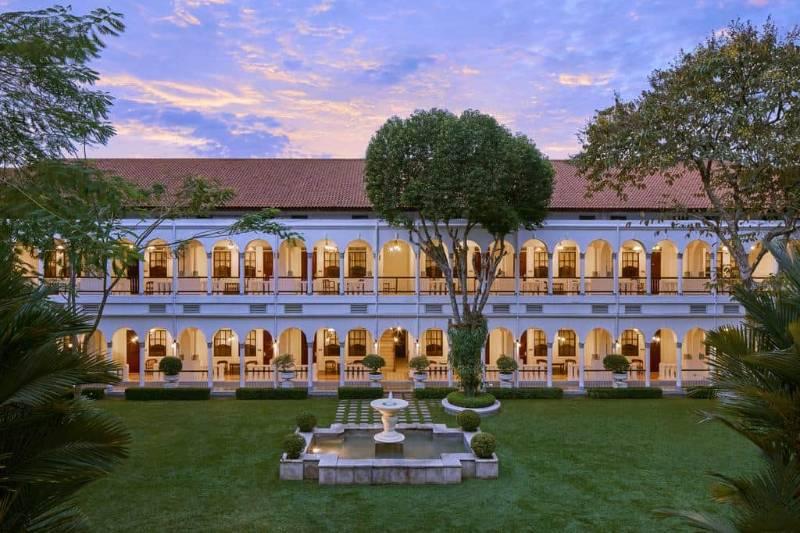 bisnis hotel di Surabaya