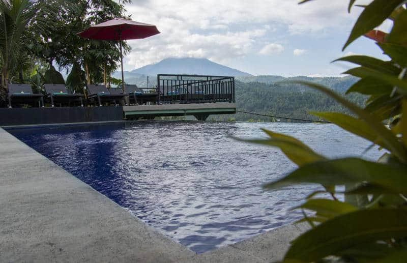 Rekomendasi Hotel dengan Infinity Pool di Bali
