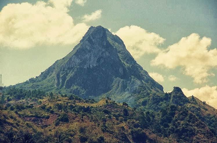 gunung Tertinggi di Sulawesi