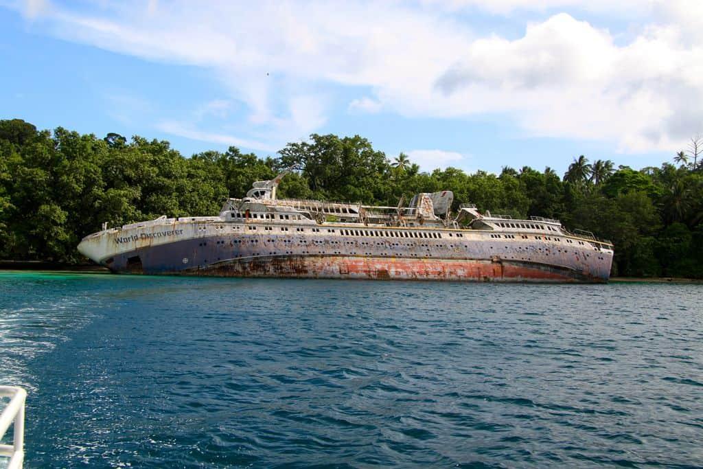 bangkai kapal menjadi destinasi wisata